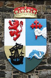 175px-Dunluce Castle - Arms of McDonnell of Antrim-1